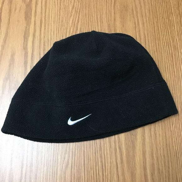 Men s black fleece Nike beanie. M 5ab1b23d31a376918046fd53 4471bd21560